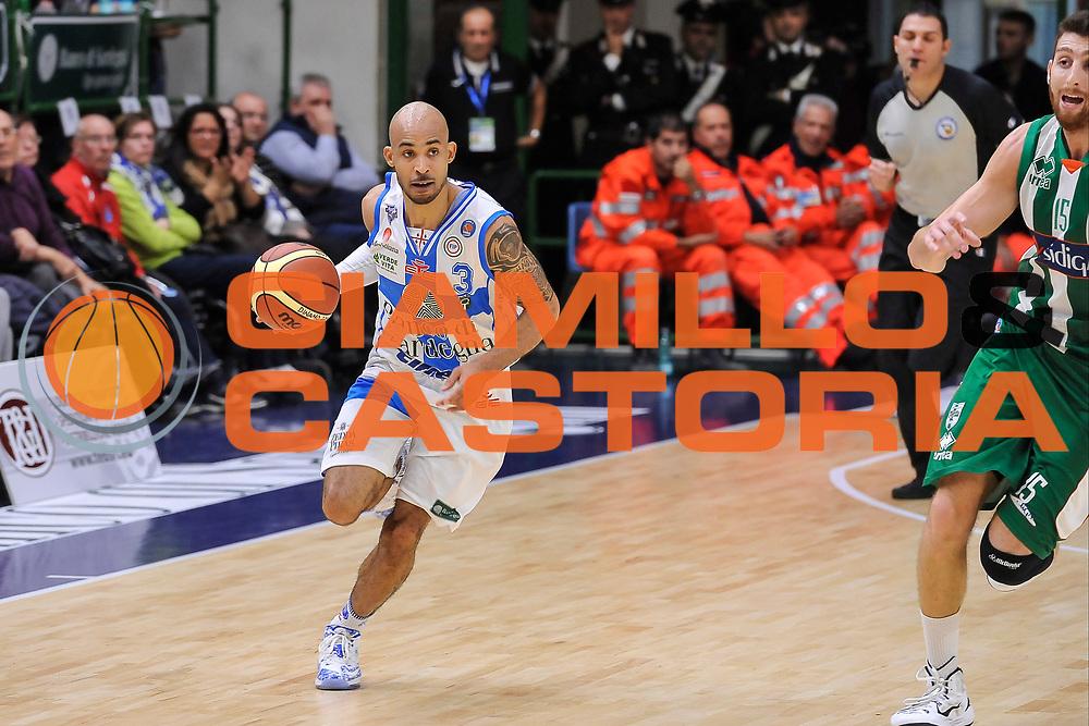 DESCRIZIONE : Campionato 2014/15 Dinamo Banco di Sardegna Sassari - Sidigas Scandone Avellino<br /> GIOCATORE : David Logan<br /> CATEGORIA : Palleggio Contropiede<br /> SQUADRA : Dinamo Banco di Sardegna Sassari<br /> EVENTO : LegaBasket Serie A Beko 2014/2015<br /> GARA : Dinamo Banco di Sardegna Sassari - Sidigas Scandone Avellino<br /> DATA : 24/11/2014<br /> SPORT : Pallacanestro <br /> AUTORE : Agenzia Ciamillo-Castoria / Luigi Canu<br /> Galleria : LegaBasket Serie A Beko 2014/2015<br /> Fotonotizia : Campionato 2014/15 Dinamo Banco di Sardegna Sassari - Sidigas Scandone Avellino<br /> Predefinita :