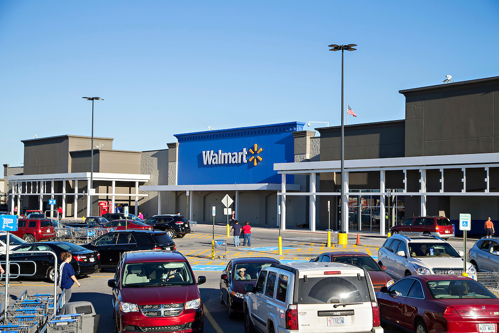 ROGERS, AR - OCTOBER 12:  Exterior  view of Walmart Store #4208 on October 12, 2015 in Rogers, Arkansas.  <br /> CREDIT Wesley Hitt for Wall Street Journal<br /> WALSQUEEZE