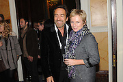 ROBERT LINDSAY; JENNIFER SAUNDERS;, Party following the Theatre Royal press night performance of The Lion in Winter , The Institute of Directors. London. 15 November 2011. <br /> <br />  , -DO NOT ARCHIVE-© Copyright Photograph by Dafydd Jones. 248 Clapham Rd. London SW9 0PZ. Tel 0207 820 0771. www.dafjones.com.