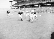Neg No: 860/a1769-a1778,..4091955AISHCF,.04.09.1955, 09.04.1955, 4th September 1955,.All Ireland Senior Hurling Championship - Final,..Wexford.03-13,.Galway.02-08,..