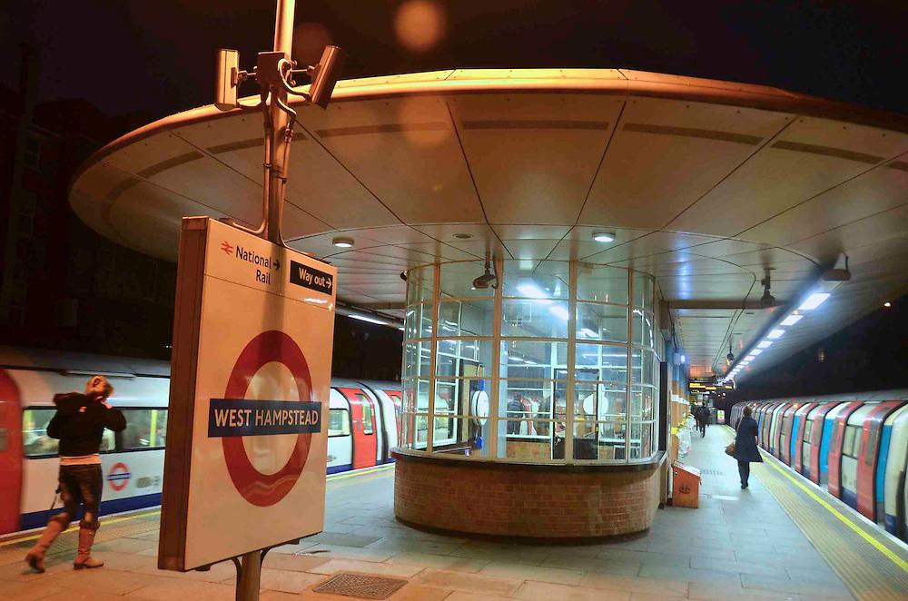 West Hampstead Station, Night
