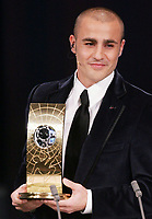 Fotball<br /> Sveits<br /> Foto: EQ Images/Digitalsport<br /> NORWAY ONLY<br /> <br /> Fabio Cannavaro Italien Weltfussballer 2006 mit Preis<br /> Fussball FIFA World Player 2006 Wahl Weltfussballer 2006