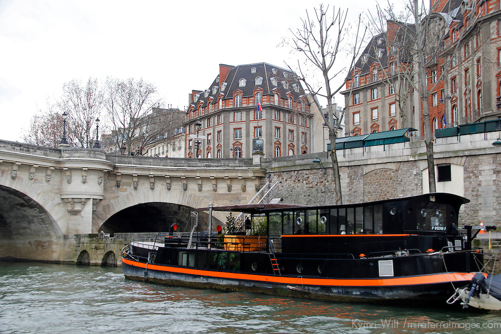 Europe, France, Paris. Houseboat on the Seine River near Pont Neuf.