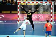 DESCRIZIONE : Handball Jeux Olympiques Londres <br /> GIOCATORE : Cupic Ivan CRO Sterbik Arpas ESP<br /> SQUADRA : Croatie HOMME<br /> EVENTO :  Handball Jeux Olympiques<br /> GARA : Croatie Espagne<br /> DATA : 06 08 2012<br /> CATEGORIA : handball Jeux Olympiques<br /> SPORT : HANDBALL<br /> AUTORE : JF Molliere <br /> Galleria : France JEUX OLYMPIQUES 2012 Action<br /> Fotonotizia : France Handball Homme Jeux Olympiques Londres premier tour Copper Box<br /> Predefinita :