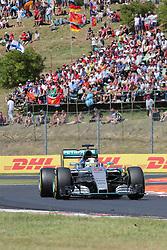 26.07.2015, Hungaroring, Budapest, HUN, FIA, Formel 1, Grand Prix von Ungarn, das Rennen, im Bild Lewis Hamilton (Mercedes AMG Petronas Formula One Team) // during the race of the Hungarian Formula One Grand Prix at the Hungaroring in Budapest, Hungary on 2015/07/26. EXPA Pictures © 2015, PhotoCredit: EXPA/ Eibner-Pressefoto/ Bermel<br /> <br /> *****ATTENTION - OUT of GER*****