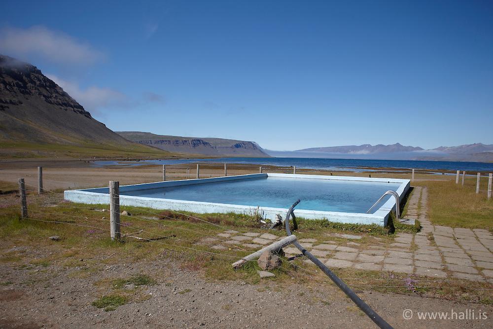 Swimming pool in Reykjarfjordur, west Iceland - Sundlaug í Reykjarfirði - Arnarfjörður