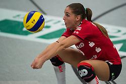 09-11-2014 GER: USC Muenster - Dresdner SC, Munster<br /> Halle Berg Fidel / Annahme Myrthe Schoot (#9 Dresden)<br /> <br /> ***NETHERLANDS ONLY***