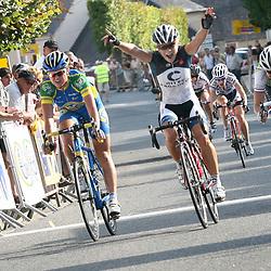 Emilie Moberg wint de vijfde etappe in de Trophee De Or voor Chantal Blaak en Loes Gunnewijk