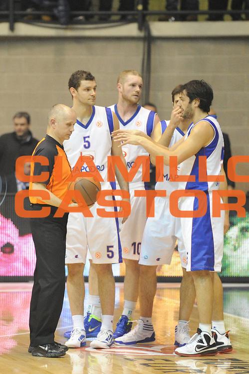 DESCRIZIONE : Desio Eurolega 2011-12 Bennet Cantu Zalgiris Kaunas<br /> GIOCATORE :  Gianluca Basile<br /> CATEGORIA : mani<br /> SQUADRA : Bennet Cantu<br /> EVENTO : Eurolega 2011-2012<br /> GARA : Bennet Cantu Zalgiris Kaunas<br /> DATA : 25/01/2012<br /> SPORT : Pallacanestro<br /> AUTORE : Agenzia Ciamillo-Castoria/GiulioCiamillo<br /> Galleria : Eurolega 2011-2012<br /> Fotonotizia : Desio Eurolega 2011-12 Bennet Cantu Zalgiris Kaunas<br /> Predefinita :