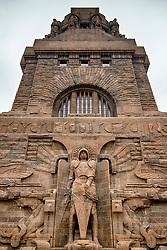 03-12-2017 DEU: Oorlogsmonument V&ouml;lkerschlachtdenkmal, Leipzig<br /> Het V&ouml;lkerschlachtdenkmal is een kolossaal oorlogsmonument in het Duitse Leipzig. Het werd aan het begin van de twintigste eeuw opgericht ter herdenking van de Slag bij Leipzig in 1813 gedurende de Zesde Coalitieoorlog. Hoogte: 91 m, Breedte: 126 m, Hoogte koepelhal: 60 m, Gewicht: 300.000 ton, Bouwtijd: 15 jaar