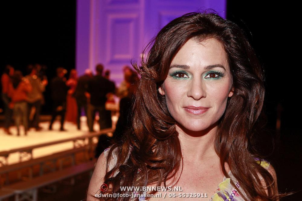 NLD/Amsterdam/20110308 - Modeshow Raak 2011, Quinty Trustfull - van den Broek