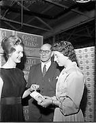 25/10/1960.10/25/1960.25 October 1960.Miss Ireland, Irene Ruth Kane, visits Wills tobacco Factory at South Circular Road, Dublin.