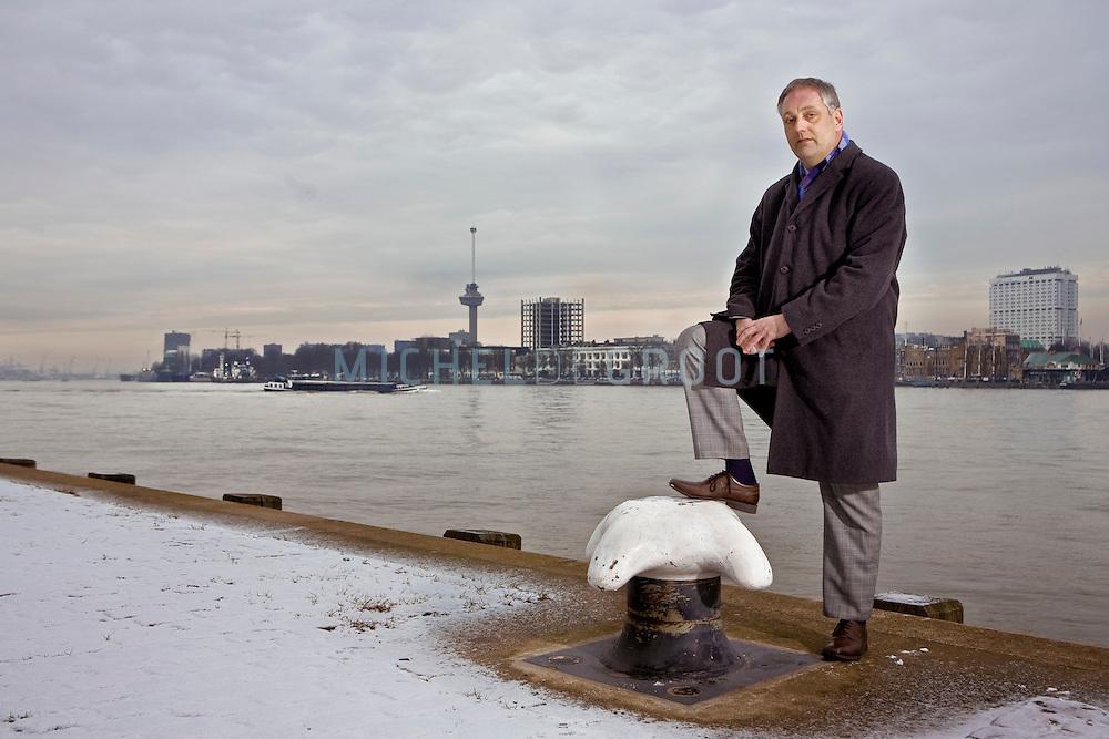 Hans Vermeij, consultant bij DHV in Rotterdam, The Netherlands op 04 February, 2009. Tijdens haar bezoek aan de wijk sprak zij met kennismaking met Marokkaanse buurtvaders en andere actieve buurtbewoners. Ook sprak de minister met ondernemers in de wijk. (Photo by Michel de Groot)