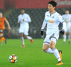 Ki Sung-Yueng of Swansea City in action -Mandatory by-line: Nizaam Jones/JMP- 17/01/2018 - FOOTBALL - Liberty Stadium- Swansea, Wales - Swansea City v Wolverhampton Wanderers - Emirates FA Cup third round proper