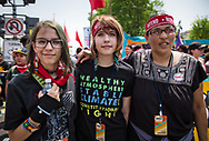 Cherri Foytlin and her daughters at the Climate March in Washignton D.C.