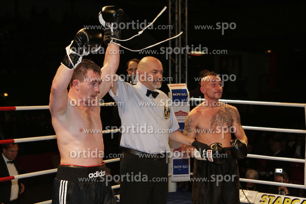 12.10.2012, Wandsbeker Sporthalle, Hamburg, GER, Universum Boxing Hamburg, im Bild Vitalj TAJBERT (Deutschland) vs Michal DUFEK (Tschechien), Sportler Universum Boxen Sport Deutschland Spotlight Superfedergewicht // during Universum Boxing Hamburg at the Wandsbeker Sporthalle, Hamburg, Germany on 2012/10/12. EXPA Pictures © 2012, PhotoCredit: EXPA/ Eibner/ Andre Latendorf..***** ATTENTION - OUT OF GER *****