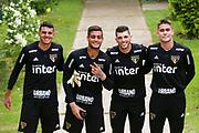 18.01.2019 - SÃO PAULO, SP - Jean (e) e Tiago Volpi durante treino do São Paulo Futebol Clube realizado no CCT Barra Funda, na Zona Oeste de São Paulo (SP). ( Foto: Jales Valquer / FramePhoto )