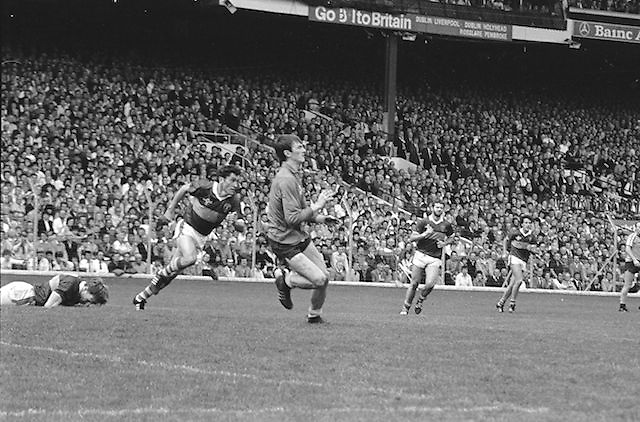 Players wait in the goalmouth to receive the ball during the All Ireland Senior Gaelic Football Championship Final Kerry v Dublin at Croke Park on the 22nd September 1985. Kerry 2-12 Dublin 2-08.