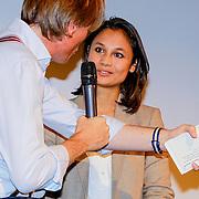 NLD/Amsterdam/20131014 -  Marie Claire Starters Award 2013, Jort Kelder in gesprek met genomineerde Deborah Monfils – Physical Business