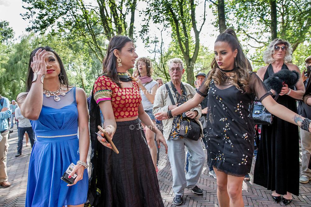 Nederland, Amsterdam, 30 juli 2017.<br /> De PakistaanseTransgender Kami Choudry (midden) voor de Oosterbar Generator (Mauritskade 57, bij het Oosterpark) tijdens de opening van de Transpride.<br /> Foto: Jean-Pierre Jans<br /> <br /> The Netherlands, Amsterdam, July 30, 2017. <br /> The Pakistani Transgender Kami Choudry (Middle) in front of the Oosterbar Generator (Mauritskade 57, at the Oosterpark) during the Transpride opening.<br /> Photo: Jean-Pierre Jans