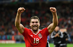 Sam Vokes of Wales celebrates with the Wales after the game  - Mandatory by-line: Joe Meredith/JMP - 01/07/2016 - FOOTBALL - Stade Pierre Mauroy - Lille, France - Wales v Belgium - UEFA European Championship quarter final