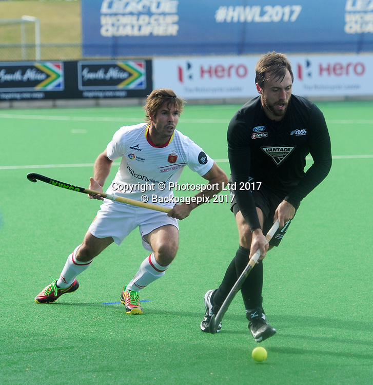 Nic Woods of New Zealand challenged by Nick Ross of Spain during 2017 Hockey World League Men Semi Final game between Spain and New Zealand at Wits Hockey Fields in Parktown on 17 July 2017 ©Aubrey Kgakatsi/BackpagePix / www.photosport.nz