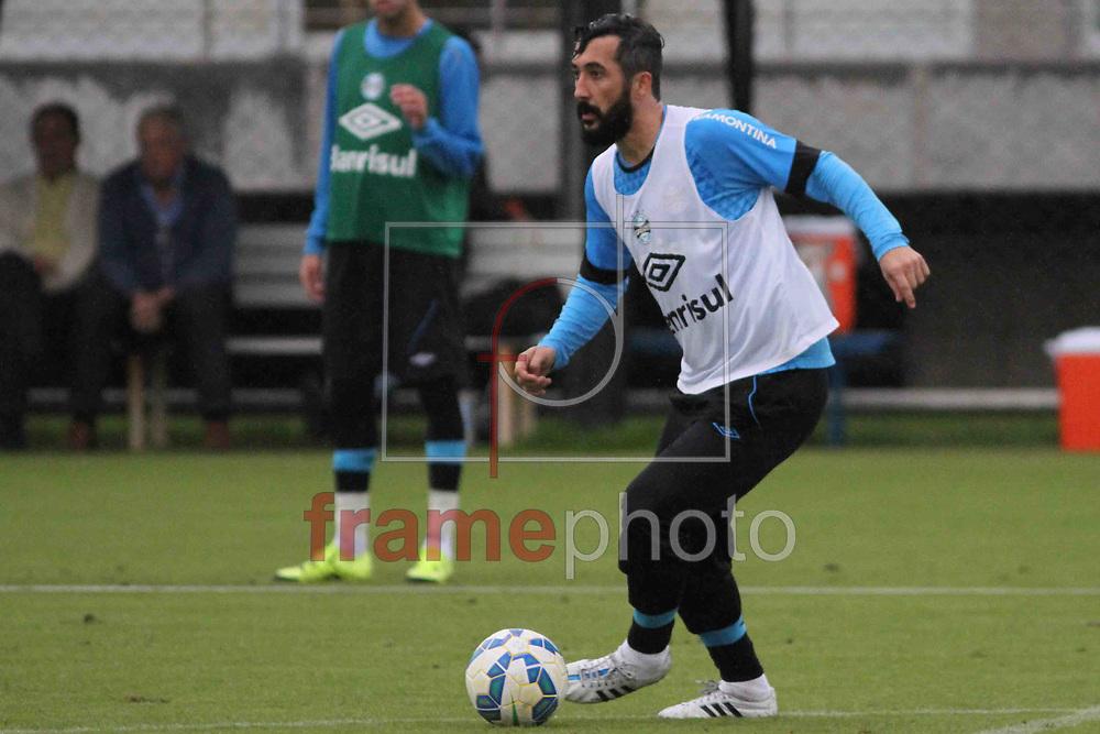 Futebol - Treino  - Douglas , durante  o treino do Grêmio, no CT Luiz Carvalho. Foto: Luciano Leon/Raw Image/Frame