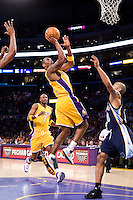 27 March 2007: Guard Kobe Bryant of the Los Angeles Lakers shoots the ball against the Memphis Grizzlies during the second half of the Grizzlies 88-86 victory over the Lakers at the STAPLES Center in Los Angeles, CA.