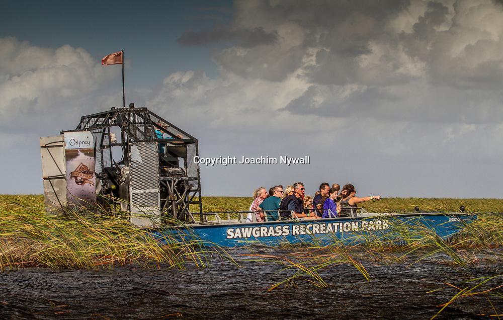 20151120 Everglades  Florida USA <br /> Sawgrass Recreational Park<br /> Airboat tr&auml;skb&aring;t<br /> Alligatorer v&aring;tmarker tr&auml;sk<br /> <br /> FOTO : JOACHIM NYWALL KOD 0708840825_1<br /> COPYRIGHT JOACHIM NYWALL<br /> <br /> ***BETALBILD***<br /> Redovisas till <br /> NYWALL MEDIA AB<br /> Strandgatan 30<br /> 461 31 Trollh&auml;ttan<br /> Prislista enl BLF , om inget annat avtalas.