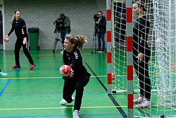 20-11-2019 NED: Pressmoment Handball women, Aalsmeer<br /> Handball women have a final training and press conference before they leave for Japan for the World Cup / Tess Wester #33 of Netherlands