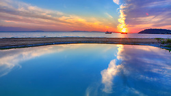 Situado à beira do lago Guaíba, o bairro Ipanema é um lugar notadamente residencial. Um calçadão e um ciclovia atraem atletas e moradores durante os dias de verão. A praia é muito utilizada para lazer pela população que pratica esportes aquáticos. FOTO: Jefferson Bernardes/Preview.com