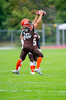 KELOWNA, BC - SEPTEMBER 8:  Kaden Cretney #86 of Okanagan Sun warms up against the Langley Rams  at the Apple Bowl on September 8, 2019 in Kelowna, Canada. (Photo by Marissa Baecker/Shoot the Breeze)