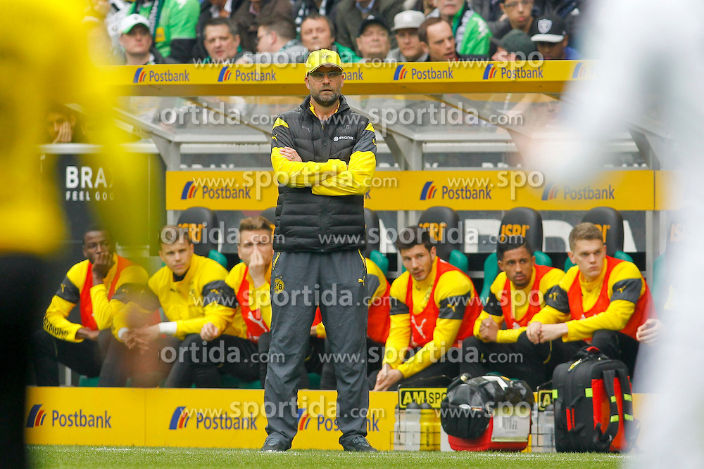 11.04.2015, Borussia Park, Moenchengladbach, GER, 1. FBL, Borussia Moenchengladbach vs Borussia Dortmund, 28. Runde, im Bild Trainer Juergen Klopp (Borussia Dortmund) // 15054000 during the German Bundesliga 28th round match between Borussia Moenchengladbach and Borussia Dortmund at the Borussia Park in Moenchengladbach, Germany on 2015/04/11. EXPA Pictures &copy; 2015, PhotoCredit: EXPA/ Eibner-Pressefoto/ Sch&uuml;ler<br /> <br /> *****ATTENTION - OUT of GER*****