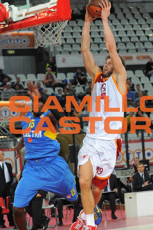 DESCRIZIONE : Roma Eurolega 2010-11 Top 16 Lottomatica Virtus Roma Maccabi Elettra Tel Aviv<br /> GIOCATORE : Vladimir Dasic<br /> SQUADRA : Lottomatica Virtus Roma<br /> EVENTO : Eurolega 2010-2011<br /> GARA : Lottomatica Virtus Roma Maccabi Elettra Tel Aviv<br /> DATA : 03/03/2011<br /> CATEGORIA : Tiro<br /> SPORT : Pallacanestro <br /> AUTORE : Agenzia Ciamillo-Castoria/GabCiamillo<br /> Galleria : Eurolega 2010-2011<br /> Fotonotizia : Roma Eurolega 2010-11 Top 16 Lottomatica Virtus Roma Maccabi Elettra Tel Aviv<br /> Predefinita :