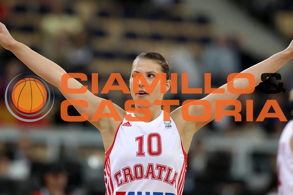 DESCRIZIONE : Lodz Poland Polonia Eurobasket Women 2011 Final 5-6 Place Finale 5-6 Posto Croazia Montenegro Croatia Montenegro<br /> GIOCATORE : Iva Ciglar<br /> SQUADRA : Croatia Croazia<br /> EVENTO : Eurobasket Women 2011 Campionati Europei Donne 2011<br /> GARA : Croazia Montenegro Croatia Montenegro<br /> DATA : 02/07/2011<br /> CATEGORIA : <br /> SPORT : Pallacanestro <br /> AUTORE : Agenzia Ciamillo-Castoria/E.Castoria<br /> Galleria : Eurobasket Women 2011<br /> Fotonotizia : Lodz Poland Polonia Eurobasket Women 2011 Final 5-6 Place Finale 5-6 Posto Croazia Montenegro Croatia Montenegro<br /> Predefinita :