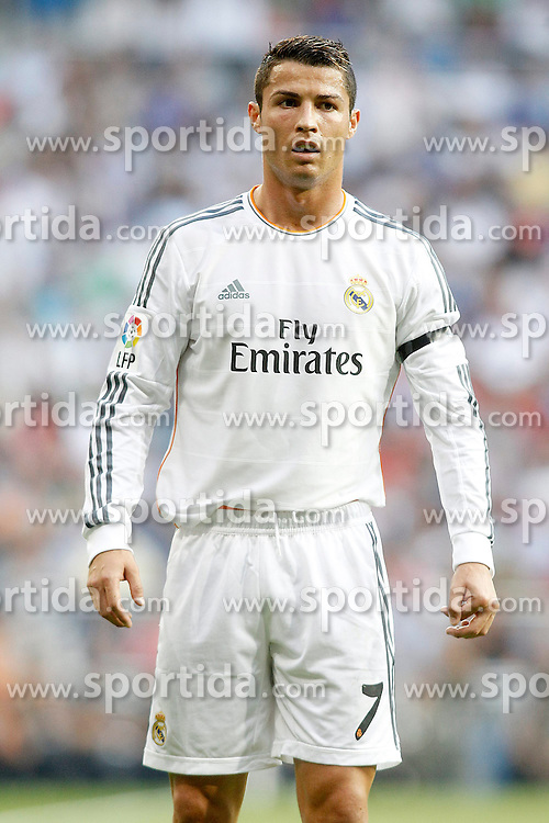 22.09.2013, Estadio Santiago Bernabeu, Madrid, ESP, Primera Division, Real Madrid vs FC Getafe, 5. Runde, im Bild Real Madrid's Cristiano Ronaldo // during the Spanish Primera Division 5th round match between Real Madrid CF and Getafe FC at the Estadio Santiago Bernabeu, Madrid, Spain on 2013/09/22. EXPA Pictures &copy; 2013, PhotoCredit: EXPA/ Alterphotos/ Acero<br /> <br /> ***** ATTENTION - OUT OF ESP and SUI *****