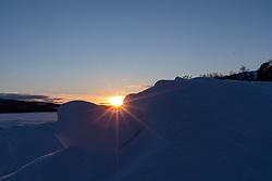THEMENBILD - Tsonnenuntergang über dem Lake Aare, aufgenommen am Mittwoch, 14. März 2018. Die alpinen Ski- Weltmeisterschaften 2019 finden von 05. bis 17. Februar in Aare /Schweden statt // sunset over Lake Aare, pictured on Tuesday, March 13, 2018. The Alpine Skiing World Championships 2019 will take place from 05 to 17 February in Aare. Sweden on 2017/03/14. EXPA Pictures © 2018, PhotoCredit: EXPA/ Johann Groder