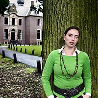 Nederland,Oegstgeest ,22 juli 2007..Hansje Görtz is de oprichter van Görtz & Crown Family Care Consultancy, een trainings- en bemiddelingsbureau voor professionele nannies...Foto:Jean-Pierre Jans
