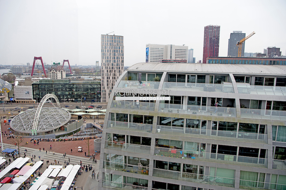 eigen - rotterdam  de markthal in rotterdam centrum blaak , station , kopen , shoppen , eten , winkelen copyright robin utrecht