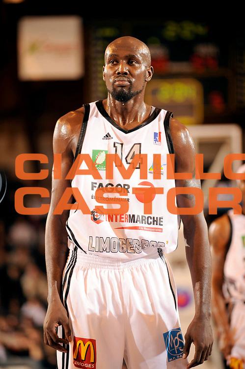 DESCRIZIONE : Ligue France Pro B Limoges Pau <br /> GIOCATORE : Ford John<br /> SQUADRA : Limoges<br /> EVENTO : FRANCE Ligue  Pro B 2009-2010<br /> GARA : Limoges Pau<br /> DATA : 29/01/2010<br /> CATEGORIA : Basketball Pro B Action<br /> SPORT : Basketball<br /> AUTORE : JF Molliere par Agenzia Ciamillo-Castoria <br /> Galleria : France Ligue Pro B 2009-2010 <br /> Fotonotizia : France  Ligue France Pro B 2009-2010 Limoges Pau<br /> Predefinita :