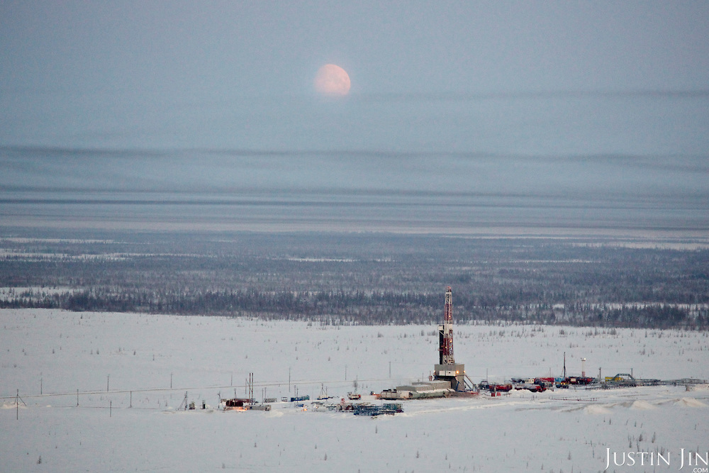 An unidentified drilling well in Novy Urengoi, Arctic Siberia, Russia. Photo by photographer Justin Jin.