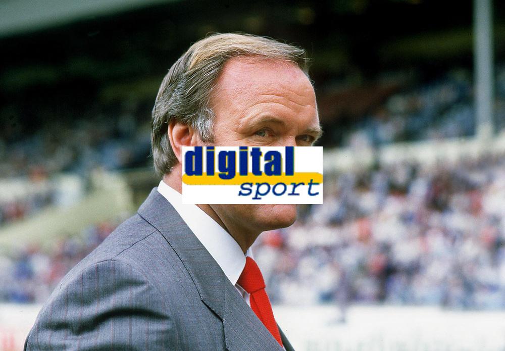 Fotball<br /> Manchester United historie<br /> Foto: Colorsport/Digitalsport<br /> NORWAY ONLY<br /> <br /> Bildene inngår ikke i nettavtalene<br /> <br /> MANCHESTER UNITED MANAGER RON ATKINSON. FA CUP FINAL 1985 .