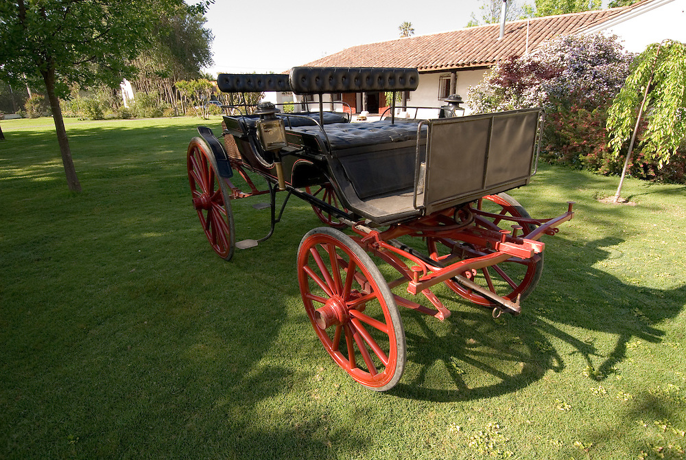 Chile Wine Country: Horse carriage at Undurraga Winery, Vina Undurraga, near Santiago, historic family legacy..Photo #: ch413-33919.Photo copyright Lee Foster, 510-549-2202, www.fostertravel.com, lee@fostertravel.com.