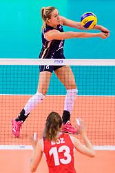 12.06.2018, Porsche Arena, Stuttgart<br /> Volleyball, Volleyball Nations League, Türkei / Tuerkei vs. Niederlande<br /> <br /> Annahme Maret Balkestein-Grothues (#6 NED)<br /> <br /> Foto: Conny Kurth / www.kurth-media.de
