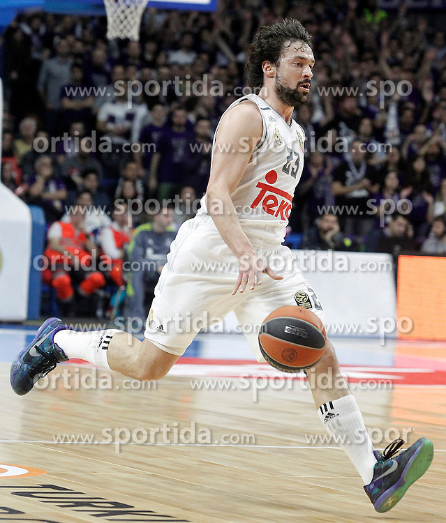 28.01.2016, Palacio de los Deportes, Madrid, ESP, FIBA, EL, Real Madrid vs Olympiacos PiraeusPlayoff, 5. Spiel, im Bild Real Madrid's Sergio LLull // during the 5th Playoff match of the Turkish Airlines Basketball Euroleague between Real Madrid and Olympiacos Piraeus at the Palacio de los Deportes in Madrid, Spain on 2016/01/28. EXPA Pictures © 2016, PhotoCredit: EXPA/ Alterphotos/ Acero<br /> <br /> *****ATTENTION - OUT of ESP, SUI*****