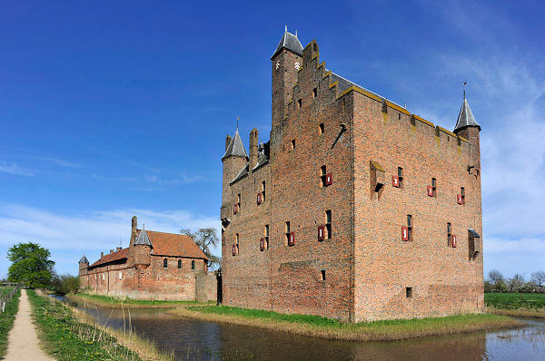Nederland, Doornenburg, 11-4-2011Kasteel Doornenburg in de gelijknamige plaats in de provincie Gelderland. Doornenburg Castle in the province of Gelderland, the Netherlands. Foto: Flip Franssen/Hollandse Hoogte
