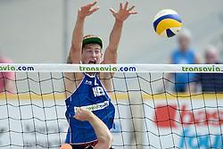 17-07-2014 NED: FIVB Grand Slam Beach Volleybal, Apeldoorn<br /> Poule fase groep A mannen - Reinder Nummerdor and Steven van de Velde versus Alexander Walkenhorst and Stefan Windscheif from Germany