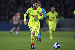November 28, 2018 - Eindhoven, Netherlands - Lionel Messi of Barcelona controls the ball during the UEFA Champions League Group B match between PSV Eindhoven and FC Barcelona at Philips Stadium in Eindhoven, Netherlands on November 28, 2018  (Credit Image: © Andrew Surma/NurPhoto via ZUMA Press)