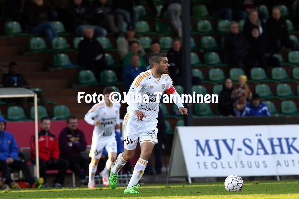 8.5.2015, Kisapuisto, Lahti.<br /> Veikkausliiga 2015.<br /> FC Lahti - Sein&auml;joen Jalkapallokerho.<br /> Pavle Milosavljevic - SJK