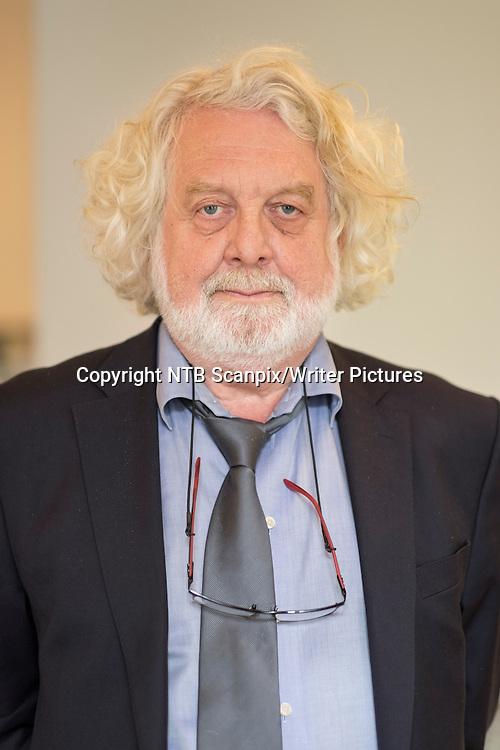 Oslo  20140820.<br /> Pressekonferanse p&Acirc; Oktober forlag om h&macr;stlanseringen av b&macr;ker. Edvard Hoem<br /> Foto: Torstein B&macr;e / NTB scanpix<br /> <br /> NTB Scanpix/Writer Pictures<br /> <br /> WORLD RIGHTS, DIRECT SALES ONLY, NO AGENCY